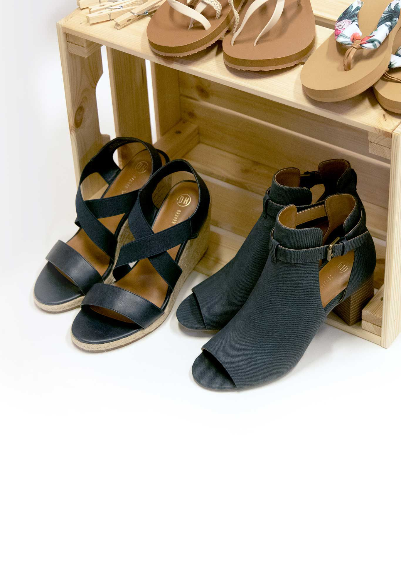 Summer Classics - Women's Sandals